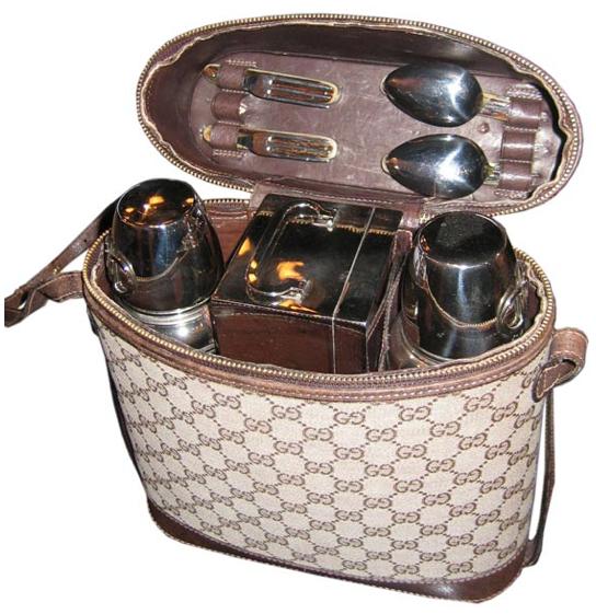 Set da picnic vintage firmato Gucci - coolhunting.com
