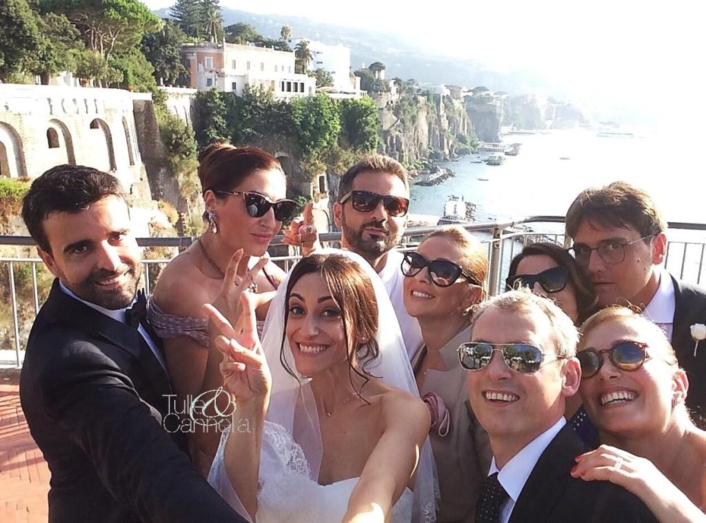 Wedding Selfie di Giuseppe e Daniela sullo sfondo della bellissima Sorrento -tullecannella.it