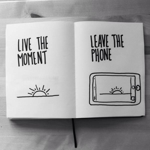 Quanta saggezza in questa foto. Vivi i momenti, lascia il telefono... dumpaday.com