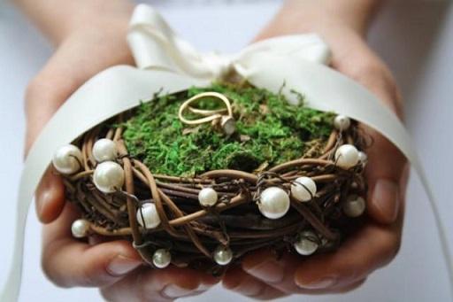 5 Idee per portare le fedi all'altare