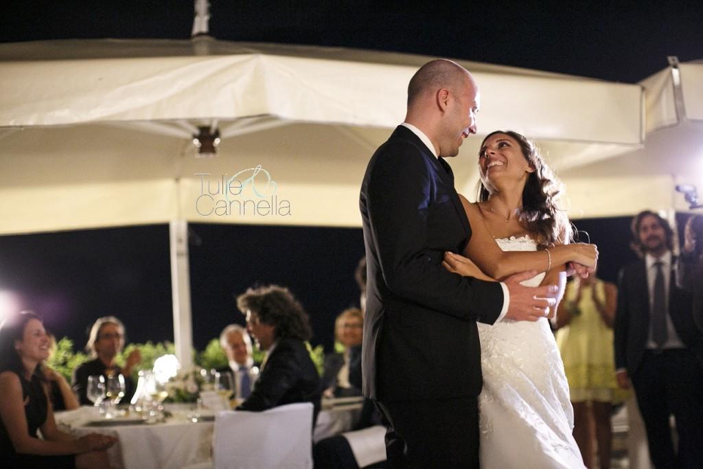 Il ballo degli sposi si è trasformato presto in un passo a due appassionato
