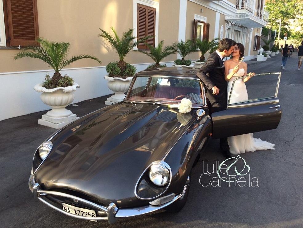 Daniela per il suo matrimonio a Sorrento scelse la Jaguar E-Type di famiglia - tullecannella.it