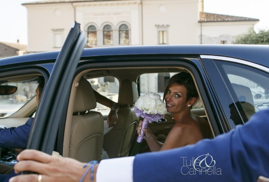 Desy, la mia sposa più fashion, non poteva che scegliere un esclusivo Porsche Panamera - tullecannella.it