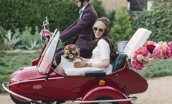 Consigli e idee glam per scegliere l' auto degli sposi