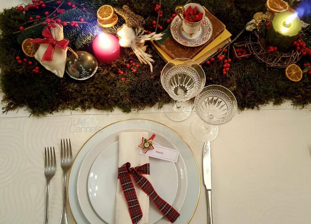 tavola di capodanno muschio e nastri tartan tullecannella