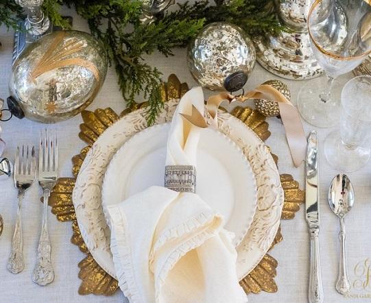 Idee chic per la tavola di capodanno wedding planner napoli tulle e cannella - Tavola di capodanno idee ...