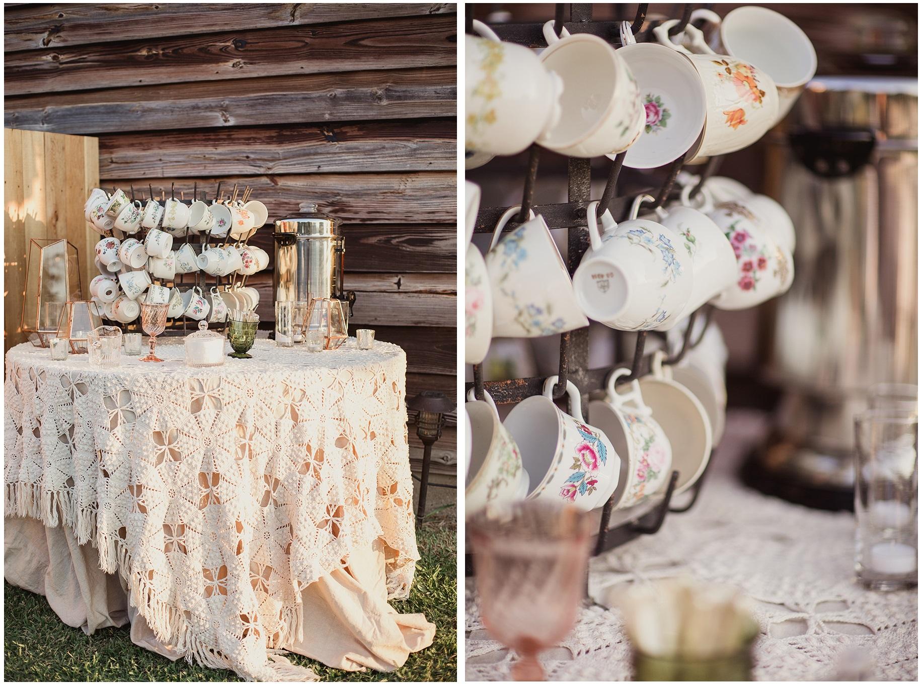 Romantico e un po' Boho chic questo tavolo per la degustazione di Tea e Caffè - snippetandink.com