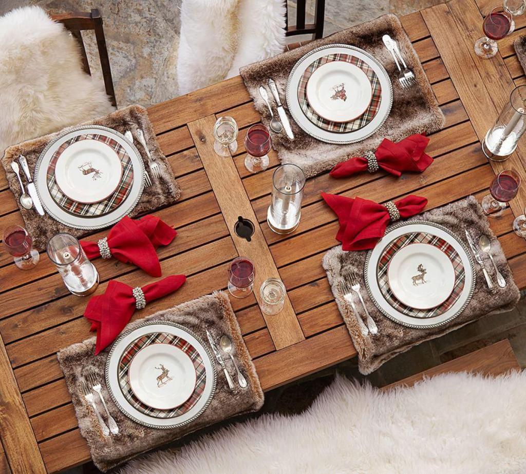 tavola di capodanno tartan e pelliccia