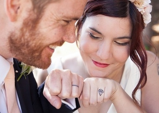 Fedi nuziali Tattoo: un simbolo d'amore eterno