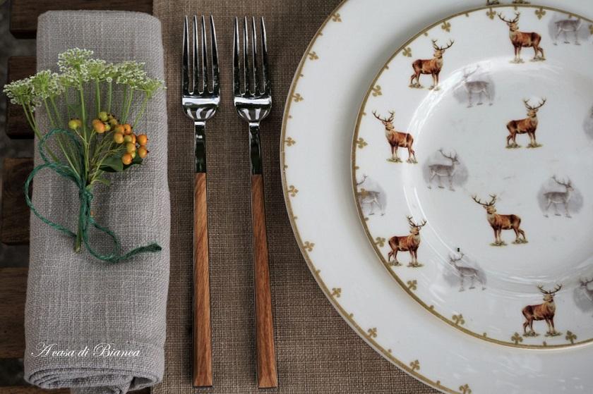 Donna Bianca, amica e collega blogger,propone una bellissima mise en place con cervi, perfetta per un matrimonio in campagna o per una tavola in famiglia - acasadibianca.com