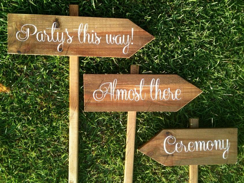 Frecce direzionali, non solo per decorare il vostro ricevimento ma anche per aiutare gli ospiti ad orientarsi - wmrentalco.com