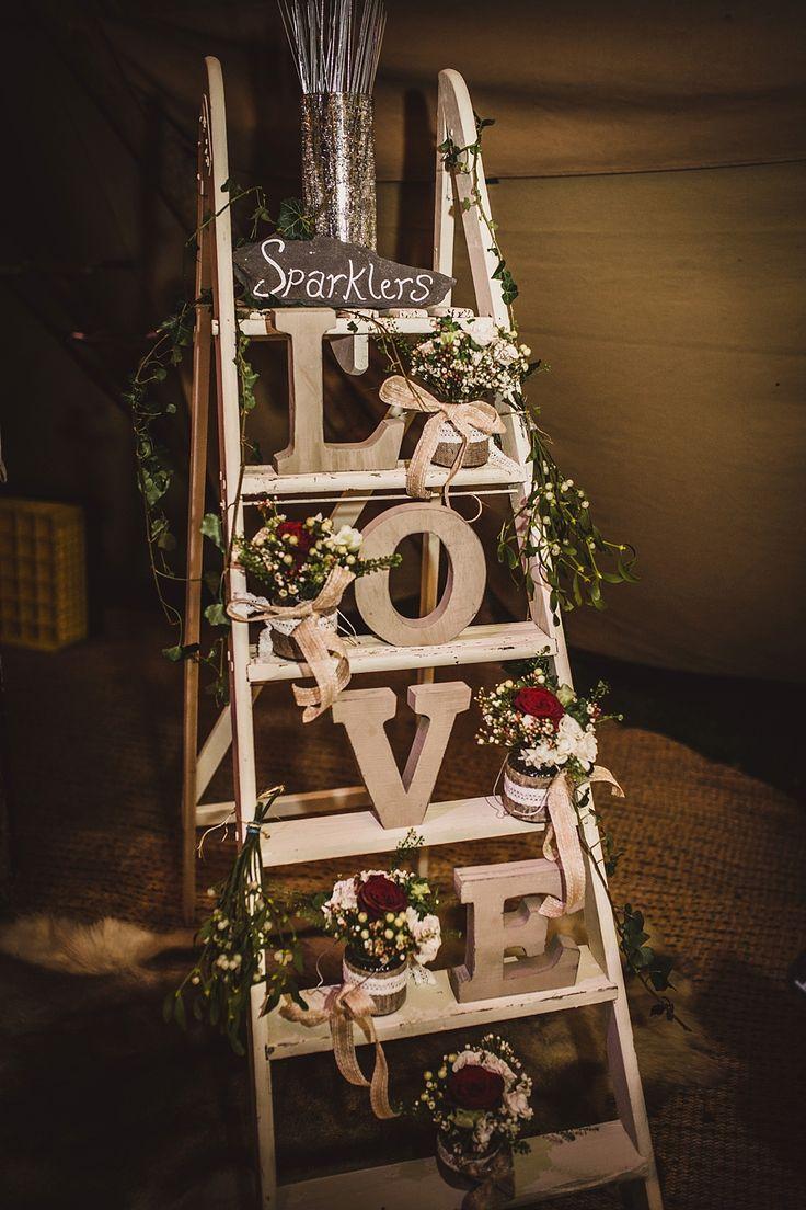 La scala a pioli è versatile, rustica, ma anche molto romantica - elegant-wedding-invites.com