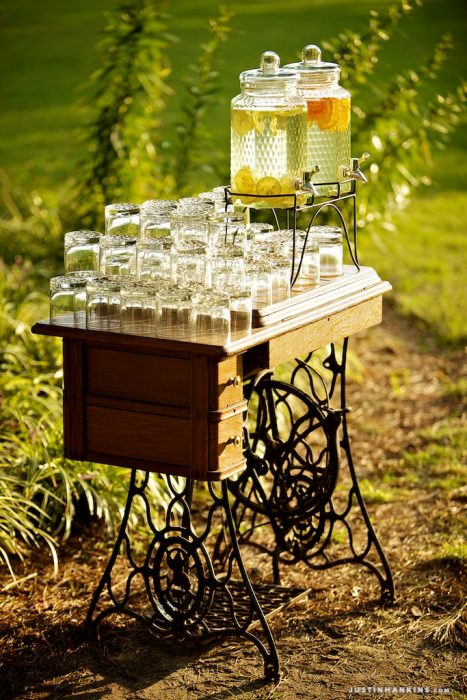 Il mobile è perfetto per un delizioso angolo Lemonade - Justin Hankins Photography