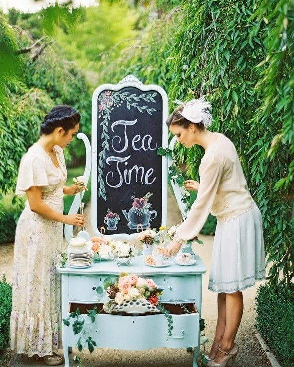 Non è adorabile allestire uno sweet table così? - caitlinturnerphotography.com