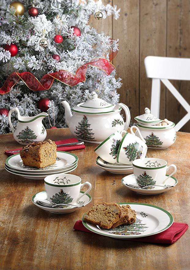 """Un bellissimo set natalizio da Tea della Spode con decoro """"Christmas Tree"""" con bordo verde"""