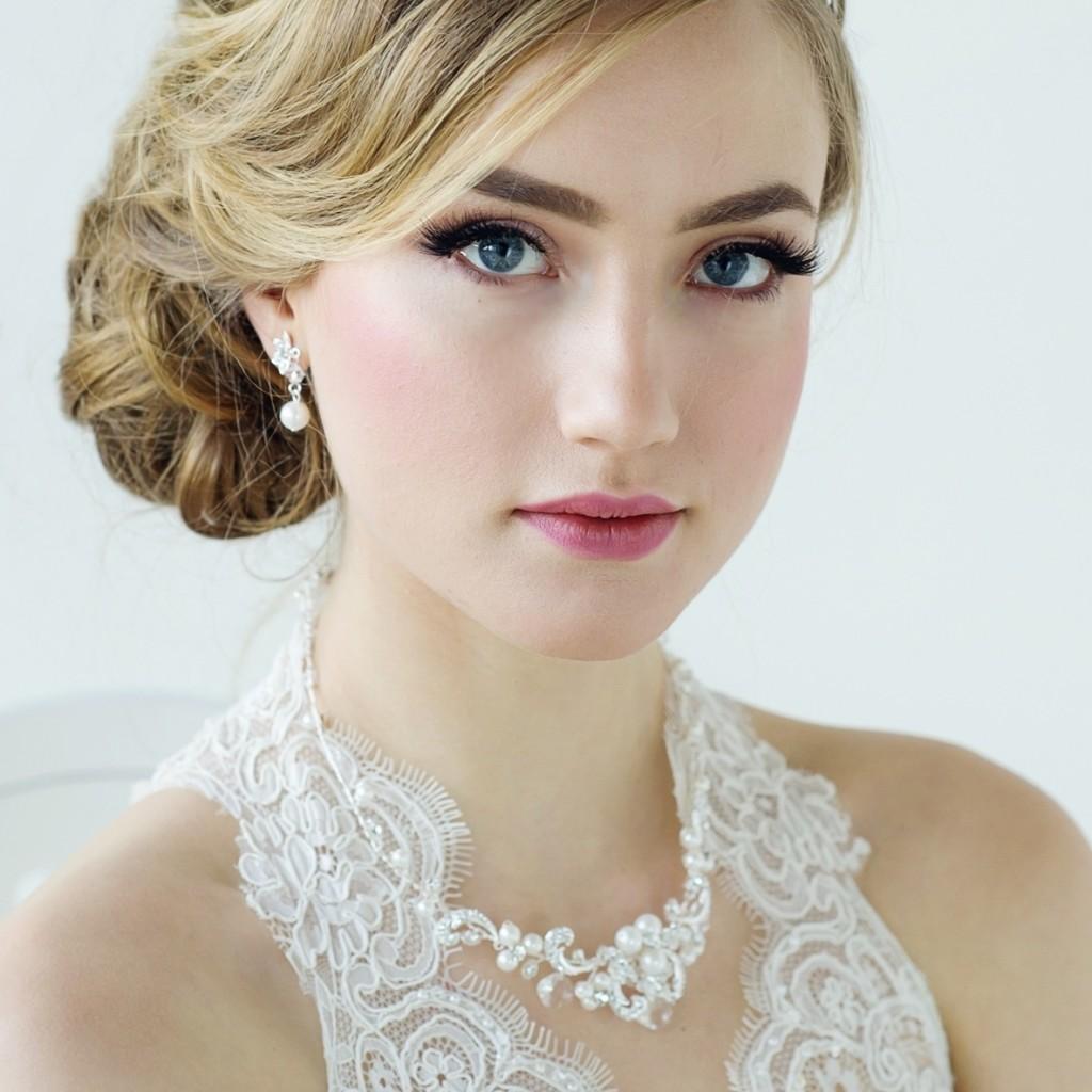 Le perle sono sempre eleganti ma forse proprio per le nozze sarebbe il caso di evitarle - crystalbridalaccessories.com