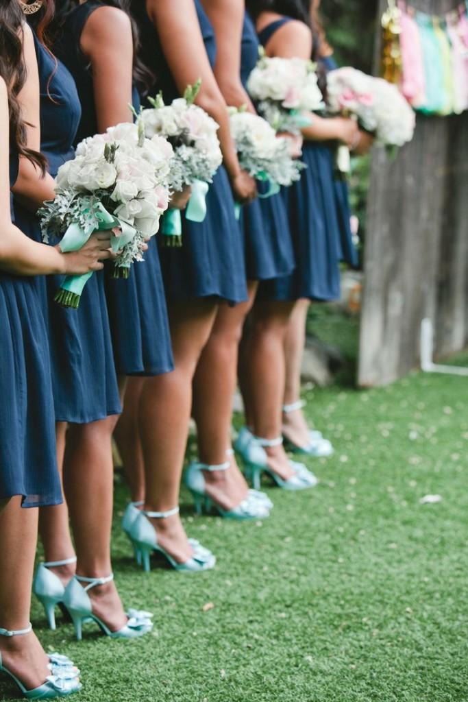 Inusuale e molto chic l'accostamento del verde menta con il blu navy - fabmood.com