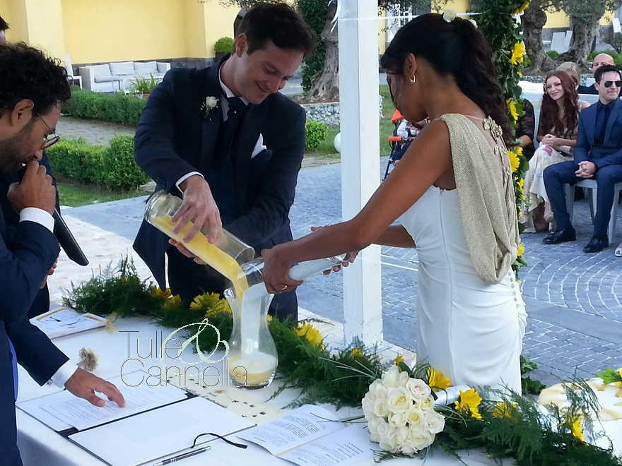 Intima e molto toccante la cerimonia della sabbia tra Enzo e Daniela - tullecannella.it