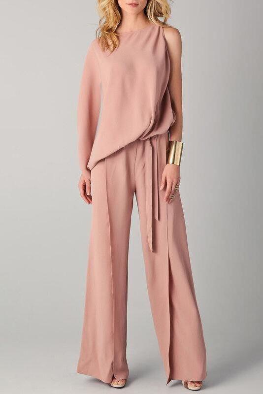 Questa tuta in cady di seta è in color Blush, un colore sempre più gettonato per gli abiti da cerimonia - chicloth.com