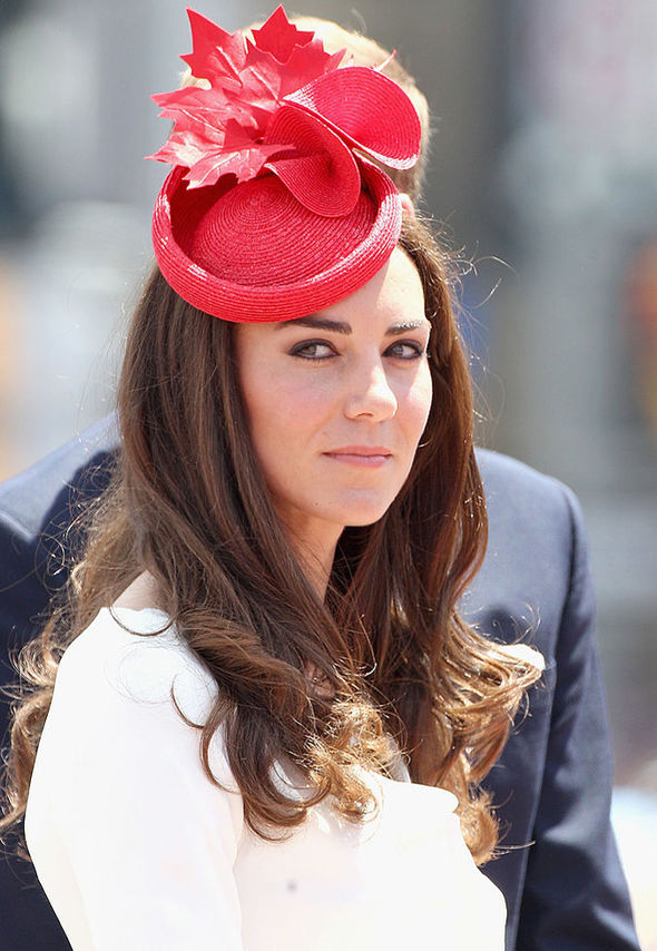 come-vestirsi-a-un-matrimonio-fascinator-kate-middleton