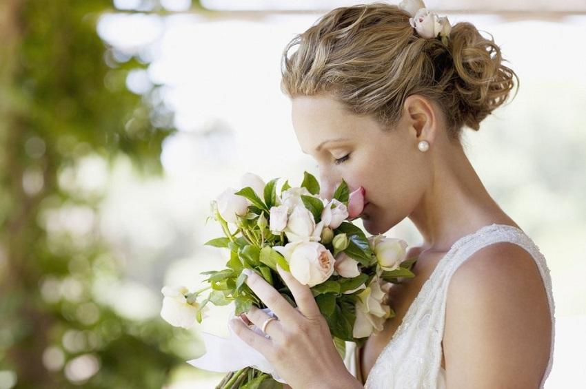 ricordi del matrimonio lancio bouquet
