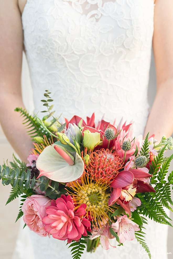 tropical wedding bouquet simplemauiwedding