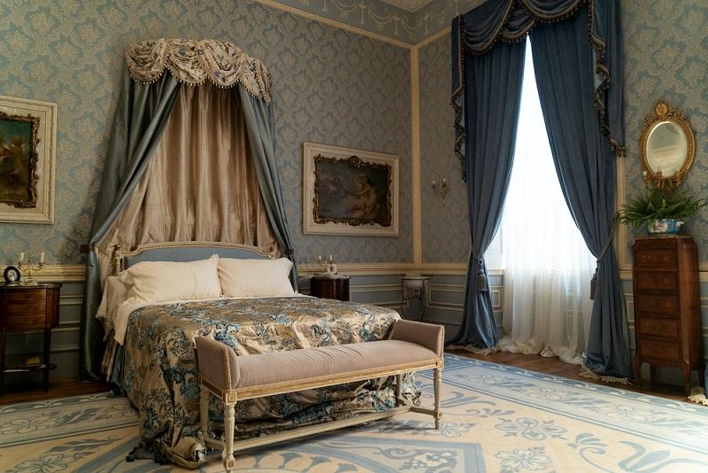 Bridgerton Daphne bedroom