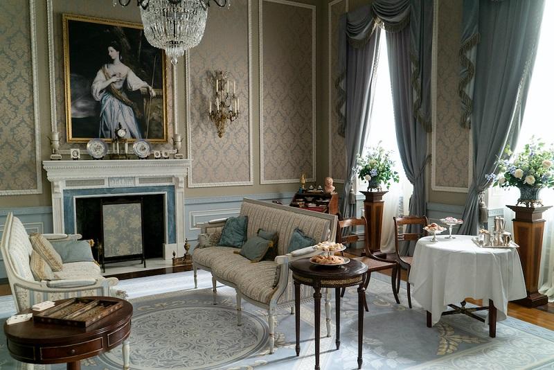 Bridgerton Daphne drawingroom
