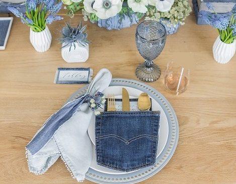 Una tavola in blu jeans